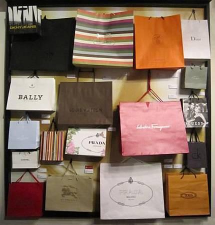 手提袋是一種國際時尚