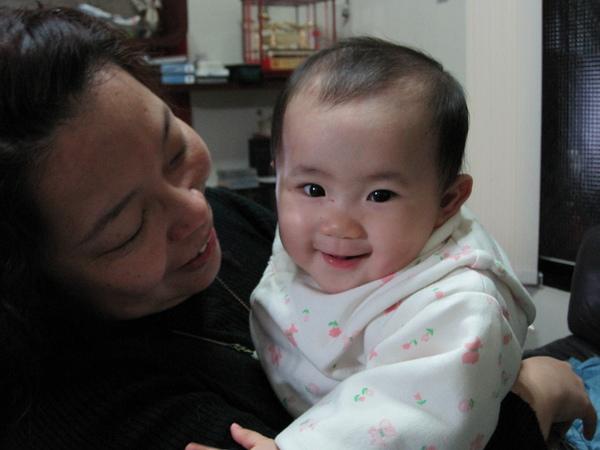 小米的笑好老成…
