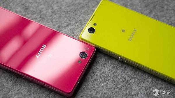 Xperia-Z1-Compact-Retail-Packaging_13-640x359