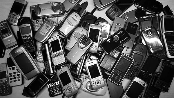 舊時光的回憶~我的SE手機與其他珍藏 - 1