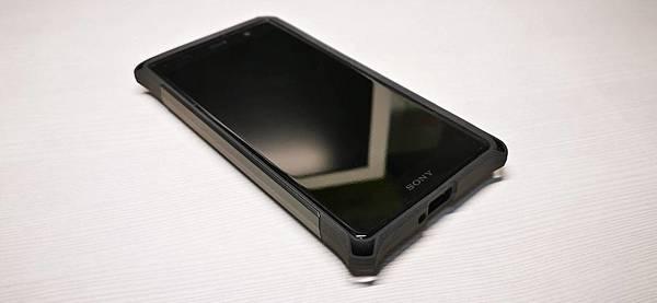 XZ2 Premium ZeroShock背蓋開箱與耐衝擊保護貼分享 - 9