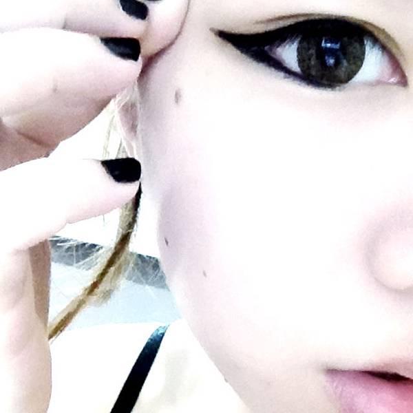 [妝容]韓妞帥勾眼線