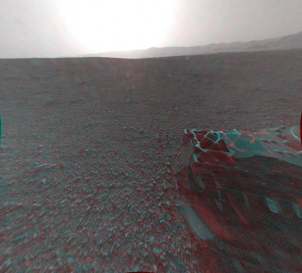 nasa-mars-rover-curiosity-stereo-3d-back-690x623