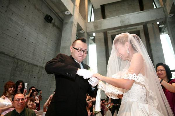 【Jess婚禮】但是大忠戒指戴不進去...