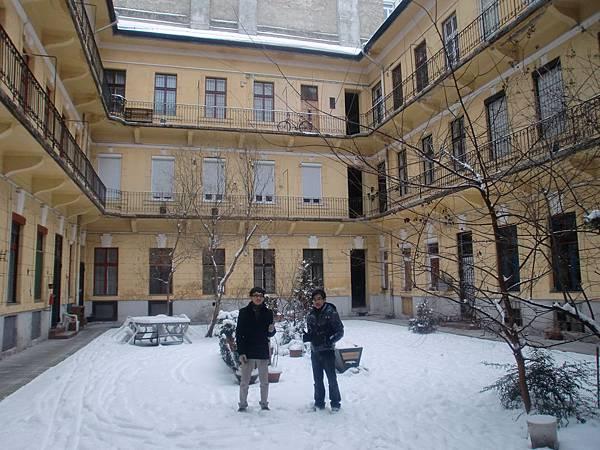 寒冬來到的Victor & Friend
