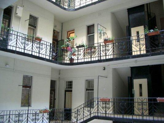 匈牙利式公寓走廊