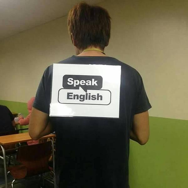 菲律賓在校只說英文.jpg