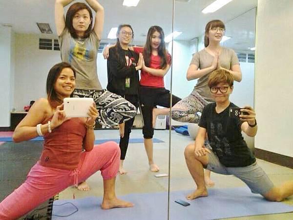 02_菲律賓練瑜珈也是學英文Vito.jpg