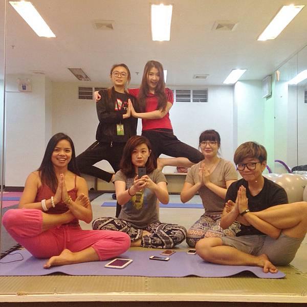01_菲律賓練瑜珈也是學英文Vito.jpg