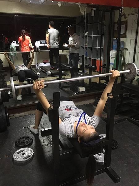 菲律賓學英文也可以邊健身ElaineVito-1.jpg