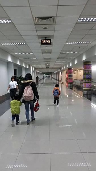04菲律賓學英文往往凌晨到達馬尼拉機場Vito.jpg