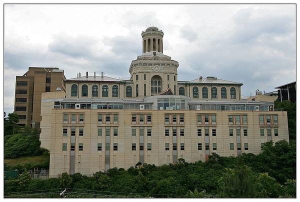 3. Hammerschlag Hall & Roberts Engineering Hall.jpg
