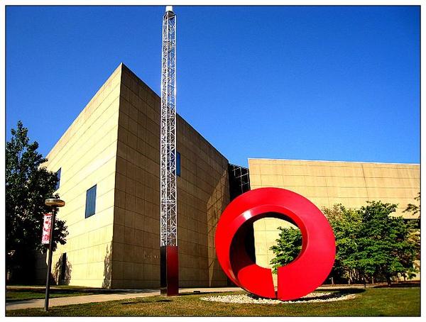 8-1_壯觀的美術館外觀。.jpg