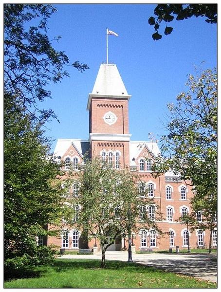 10_2_University Hall是學校歷史地標,也是目前研究所大樓graduate school1.JPG