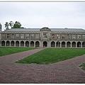 2_1_Quad_四方廣場的設計理念與英倫的牛津、劍橋學院的中世紀傳統相同。.JPG