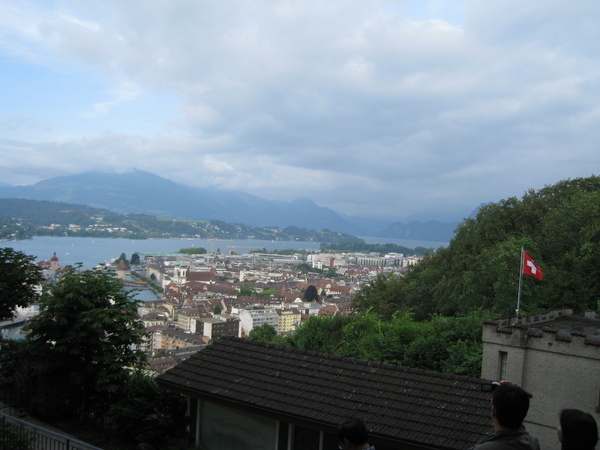 從古堡位置俯瞰盧森街景