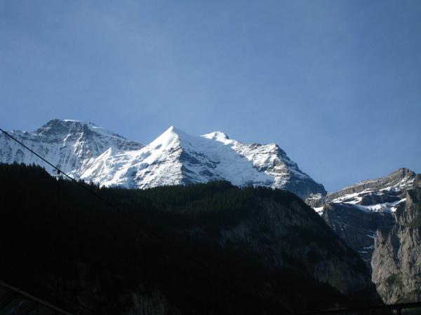 那個尖尖的山叫「銀色號角」