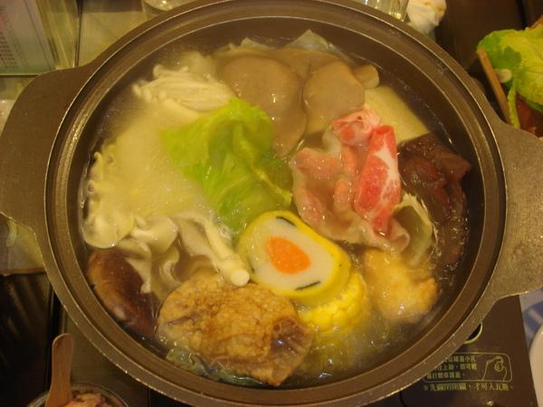 鮮菇豬肉火鍋.JPG