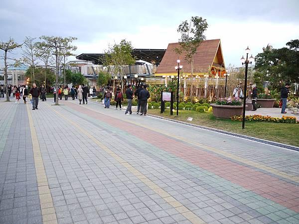 美術園區入口.jpg