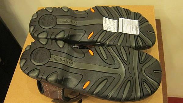 700386 timberland 38526 男真皮涼鞋 06 1799