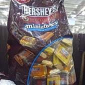 107780 Hersheys 迷你黑巧克力塊 3種口味 美國產 1.36公斤 375 02.jpg