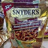 100624 Snyders Of Hanover 蜂蜜芥末口味碎餅 每袋907.1公克 239 02.jpg