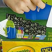 999675 Crayola Marker Airbrush 彩色噴槍組 噴槍+紙+造型模板+可水洗色筆+纖維色筆+視窗色筆 929 03.jpg