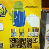 999675 Crayola Marker Airbrush 彩色噴槍組 噴槍+紙+造型模板+可水洗色筆+纖維色筆+視窗色筆 929 04.jpg