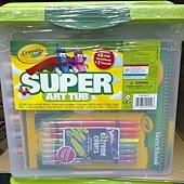 999721 Crayola Super Art Tub 超級繪畫桶 彩色筆+色鉛筆+素描本+膠水+18入顏料 6歲以上 899 02.jpg