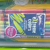 999721 Crayola Super Art Tub 超級繪畫桶 彩色筆+色鉛筆+素描本+膠水+18入顏料 6歲以上 899 06.jpg
