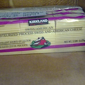 50021 Kirkland Signature Pasteurized Swiss and America Cheese 瑞士美國切片乾酪片 2.27kg 415 02.jpg