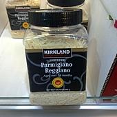 386626 Kirkland Signature Sherdded Parmigiano Reggia 帕瑪森蘿吉諾乾酪絲 24個月 454公克 義大利產 499 02.jpg