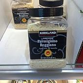 386626 Kirkland Signature Sherdded Parmigiano Reggia 帕瑪森蘿吉諾乾酪絲 24個月 454公克 義大利產 499 03.jpg