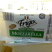184834 Frigo Mozzarella Cheese Low Moisture Part-Skim 摩佐拉摩佐瑞拉乾酪 907公克 美國產 02