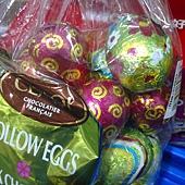 92111 Cemoi 牛奶巧克力復活蛋每袋40顆共1公斤法國產 399 03