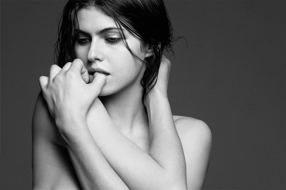 Alexandra-Daddario-in-Interview-Magazine-June-2014-2.jpg