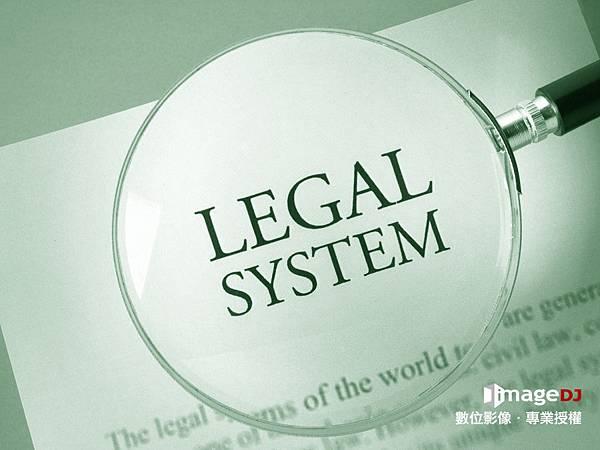 簡單4步驟,教你快速判斷專業合法圖庫,避免花上大筆的冤枉錢。