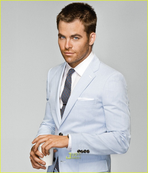 chris-pine-gq-summer-suits-01.jpg