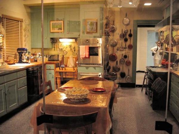 julia_child_kitchen1.jpg
