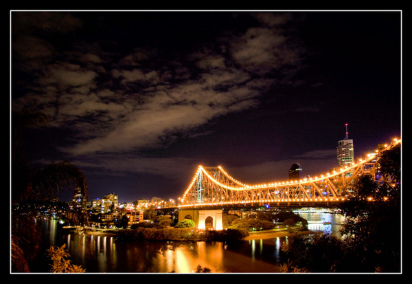 Brisbane_By_Night_VII_by_2Stupid2Duck.jpg
