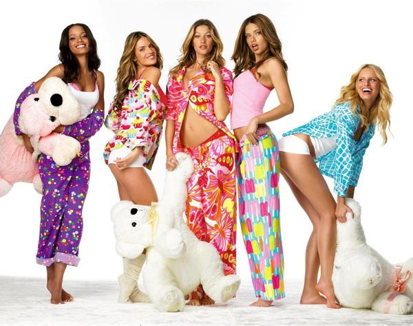 Adriana Lima, Alessandra Ambrosio, Gisele Bundchen, Karolina Kurkova & Selita Ebanks1.jpg