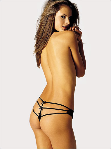 Alessandra Ambrosio - Black String Thong.bmp