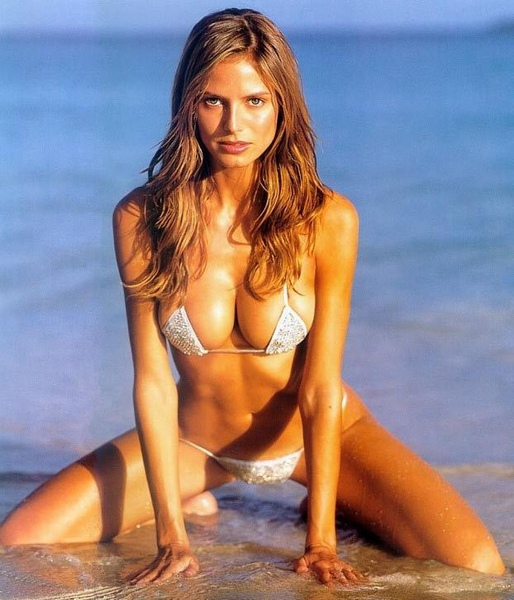 Heidi Klum - Hot Bikini - Porn Sex Tits Boobs Lesbians Playboy Hustler Fucking Fuck Blowjob Sucking Celeb Amateur(1).jpg