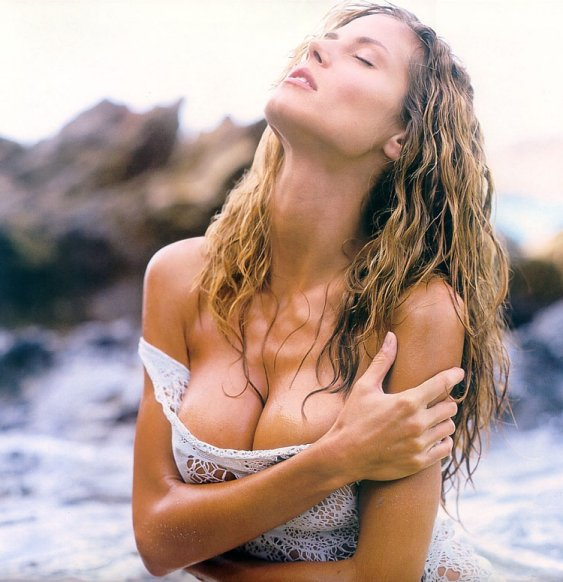 Heidi Klum Erotic Photo(1).jpg