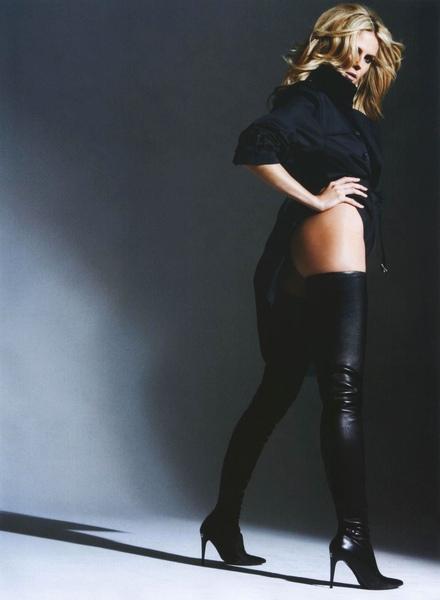 Heidi Klum-Esquire-08 August 2006 Finale.jpg