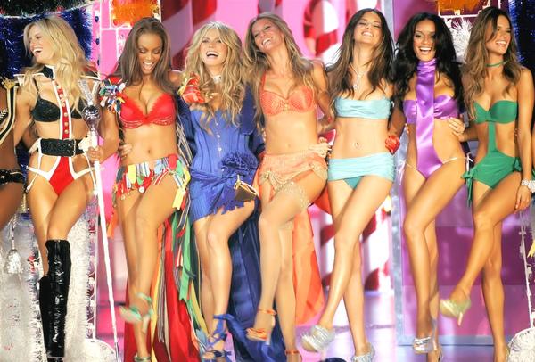 Victoria's Secret Karolina Kurkova,Tyra Banks,Heidi Klum,Gisele Bundchen,Adriana Lima,Selita Ebanks.jpg