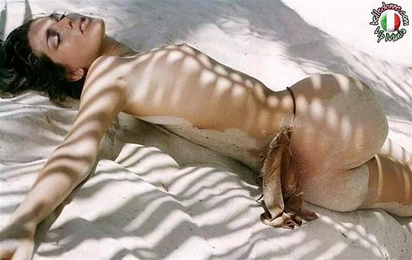 Zz Alessia Merz Celebrity Female Rolls Around Naked In The White Sands (Nikki Cox Anna Kournikova Heidi Klum Rose Mcgowan Angelina Jolie Torrie Wilson Madonna Playboy Eva Long.jpg