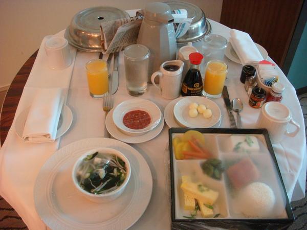 早餐 room service 090422
