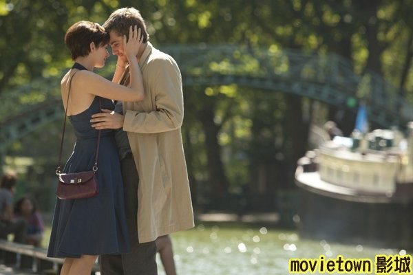 movietown影城 真愛挑日子劇照One Day Photos09吉姆史特格斯 Jim Sturgess◎安海瑟薇 Anne Hathaway (複製).jpg