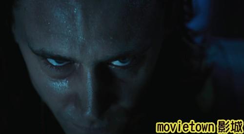 "movietown影城《復仇者聯盟》全新8大角色海報+《復仇者聯盟》先行版電影預告片2(圖+新聞+影)17比《雷神》中更加陰險狠毒的洛基要讓地球變成""人人自危""的世界 (複製).jpg"